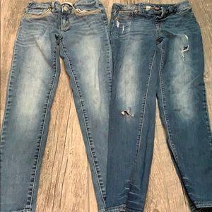 2 pairs of 👖